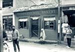 Restaurant Pumpernickel Bakery i Thamel, Kathmandu, hvor Projekt Vestens Unges koordinator, Johnny Rønved har sit kontor, februar 1988, The restaurant Pumpernickel Bakery in Thamel, Kathmandu, where the office of Johnny Rønved, Wes