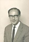 Niels Erik Graulund, b.1924. Master of Engineering, 1950. Employed at Consultant Engineer Corpo, Niels Erik Graulund, f. 1924, cand. polyt. 1950. Ansat ved Rådgivende Ingeniørfirma, 1951-53 + 1964-67, og ved Ministeriet for Grønland, 1953-59. Missionær i Svenska Kyrkans Mission, Syd-Rhodesia, 1960-63. Gift med Hanne Beha Graulund (f. Bracher), 1965. Udsendt af DMS til Tanzania, 1968-73. Arbejdsopgaver: Formand for ELCT's Centralkontor, Arusha og sekretær for project og bygningskomitéer. Involveret i en lang række byggeprojekter, bl.a. Den Internationale Skole, Det Lutherske Radiocenter og Sprogskolen, alle i Moshi, Præsteseminariet i Makumira, Medical Assistant skolen i Bumbuli samt projekter andre steder i Tanzania og Kenya. (Foto 1967). Niels Erik og Hanne Grauland blev i 1980 associeret til DMS, i forbindelse med arbejde i MSAADA regi - Et kirkeligt arkitektfirma, der hjælper med byggeprojekter i Asien og Afrika, og som arkitekt Poul Bertelsen var leder af (se Dansk Missionsblad 1981). Niels Erik Graulund døde i 2014