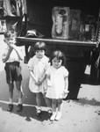 Children and ice truck in Little Tokyo