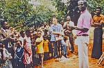 Den Lutherske Kirke/ELCT. Arkitekt og bygmester Karl Emil Lundager ved afslutningen af et byggeprojekt. Biskop Josiah Kibira holder indvielsestalen. (Karl Lundager var udsendt af DMS til Bukoba i Nordveststiftet, 1971-93, og var ansvarlig for en lang række byggeprojekter. Pastor Josiah Kibira var biskop, 1964-84), Evg. Lutheran Church Tanzania/ELCT. Architect and Building Constructor, Karl Emil Lundager at t