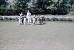 Pakistan, Den nordvestlige grænseprovins (NWFP). Lokale skolebørn med deres lærer – klædt på til fest?, Pakistan, North West Frontier Province (NWFP). Local school kids with the teacher – dressed up