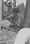 Calcutta, Nordindien, 1989. Børnearbejde er en nødvendighed, hvis familierne skal overleve i Calcuttas mange slumområder. Her er to drenge i højt humør, Calcutta, North India 1989. Child labour is indispensable for survival of families in the many