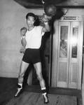 Larry Bataan, boxer
