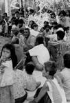 Scener og mennesker fra landsbyen Preah S'Dach. Landsbymøde. En landsbykomite bliver til i Cambodia, feb. 1996, Scenes and people from the village, Preah S'Dach. Village meeting. A village comittee is being