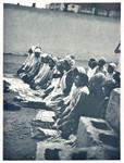 Muslimer i bøn med tæpper. Når man beder, er det vigtigt ikke at sige forkert, da man så skal begynde forfra. Foto anvendt 1964, Muslims praying with prayer rugs. When praying, it is important not to make mistakes, as it is