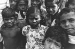 Filmprojekt: Idet I lærer dem.. Stellamary, som ses i midten, er hovedperson i første afsnit af filmen. En film om DMS-støttet skolearbejde i Arcot, Sydindien, 1978. (findes på YouTube), The Movie project: Idet I lærer dem... Stellamary, the girl in the middle, is the main characte