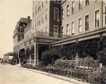 Raymond Hotel Veranda