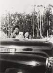 Vira Mc Cray and Jeannie Berneham, Rosemary Farms, Santa Maria : 1949