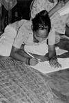 Fremtidsbørn lærer at læse og skrive. Bangladesh, 1990, Future kids learning to read and write. Bangladesh, 1990