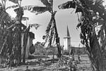 Ibura Church, the Kagera Region, Tanzania, 1967. A year after the church was finished it was st, Ibura kirke i Kagera-regionen, Tanzania, 1967. Et år efter, at kirken blev færdig, var den endnu ikke taget i brug. Menigheden samledes hver søndag i den lille bølgeblikkirke (til venstre). Ibura kirke er tegnet af den svenske arkitekt Hans Wendt. (Anvendt i: Dansk Missionsblad nr 1/1968)
