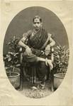 Reiche Hindufrau im Schmuck, Rich Hindu woman with jewellery